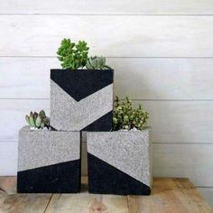 Jardinières insolites avec des parpaings. 14 idées innovantes avec des blocs de béton