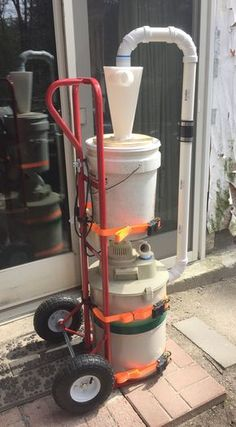 Hand truck modified to carry shop vac and dust separator Woodworking Workshop, Woodworking Jigs, Woodworking Projects, Garage Tools, Garage Workshop, Dust Collector Diy, Shop Dust Collection, Mobile Workshop, Sanding Wood