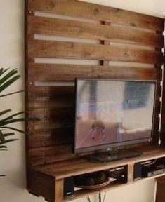 Painel de TV em pallets                                                                                                                                                                                 Mais