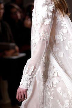 Valentino Spring 2017 Couture Accessories Photos - Vogue