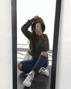 Find images and videos about girl, style and outfit on We Heart It - the app to get lost in what you love. Girl Photo Poses, Girl Photos, Selfie Posen, Autumn Instagram, Shotting Photo, Foto Casual, Photography Poses Women, Photography Names, Dslr Photography
