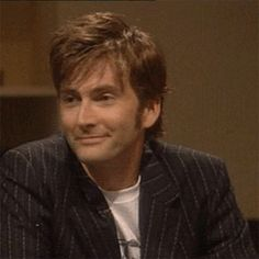 """mizgnomer: """" David Tennant showing off his encyclopedic knowledge of The West Wing trivia (and being outrageously cute) in The Ultimate West Wing Challenge. Link to part 1 of a really low-res copy (sorry) [x] """""""