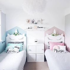 Unicorn bedroom decor - The fashionable mythological animal arrives to conquer the children's bedrooms in an explosion of glitter and pastel colors. Twin Girl Bedrooms, Baby Bedroom, Bedroom Decor, Small Bedrooms, Twin Bed For Girls, Twin Bedroom Ideas, Kids Bedroom Ideas For Girls Toddler, Master Bedroom, Boy Girl Bedroom