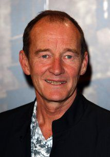 David Hayman, Actor: The Boy in the Striped Pyjamas. David Hayman was born on February 1948 in Bridgeton, Glasgow, Scotland. He is an actor and director, known for Baiatul in pijama vargata Sid and Nancy and Vertical Limit Outlander Book Series, Outlander Tv Series, Outlander Season 2, Outlander 3, Outlander Casting, Scottish Actors, British Actors, Sid And Nancy