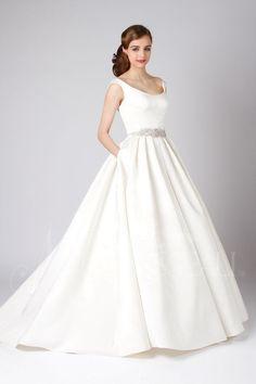 Gala | Modern Trousseau  #weddingbelles #weddingbellesnola #neworleans #nola #neworleansbride #neworleanswedding #bride #bridalgown #moderntrousseau #moderntrousseaubride #madeintheusa #madeinCT