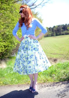 lemon and blue floral skirt - cute husband date night outfit!