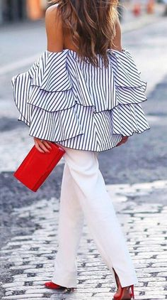 Off the shoulder design is the one which you must have. This Color Block Striped Print Ruffled blouse make you stand out from crowded.