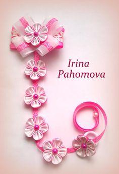 This Pin was discovered by Ека Ribbon Braids, Hair Ribbons, Ribbon Hair, Making Hair Bows, Diy Hair Bows, Diy Ribbon, Ribbon Work, Bow Pattern, Kanzashi Flowers