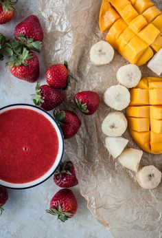 Strawberry Banana-Mango Smoothie | bloggingoverthyme.com