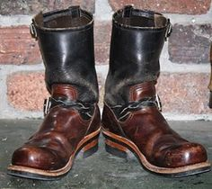 my boots redwing2268 PT91 作業靴として履いた結果こうなる。 #redwing#redwingboots#2268#PT91#レッドウィング#木型変更#bootscustom#bootsrepair#vibram700#経年変化#ヌメ革#染色#wesco#chippewa#whitesboots 50s Style Men, Men's Style, Bottes Red Wing, Cowboy Boots, Men's Boots, Riders Jacket, Engineer Boots, Red Wing Shoes, White Boots