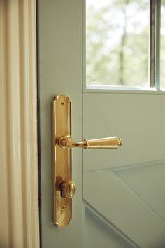 Exterior door handles brass hardware 57 Ideas for 2019 Exterior Door Hardware, Front Door Hardware, Front Door Handles, Brass Door Handles, Home Hardware, Exterior Doors, Entry Doors, Brass Hardware, Front Doors