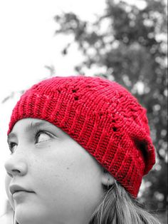 Ravelry: Ennea - Worsted pattern by Julie Gilliver