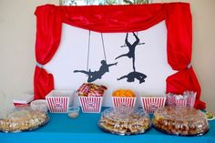 Circus party decoration food Carnival Birthday Parties, Circus Birthday, Birthday Diy, Circus Theme Decorations, Carnival Themes, Carnival Themed Party, Big Top, Party Ideas, Buckets
