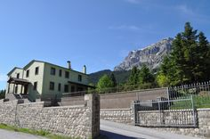 Guesthouse Fteri at the foot of the impressive mountain top Strogoula of Tzoumerka.