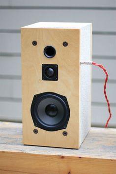無骨なコンクリートブロックを、スピーカーに変身させるアイディア | ROOMIE(ルーミー)