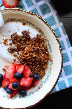The taste of Myriam !: Chocolate & Maple syrup granola | Granola au sirop d'érable & Chocolat