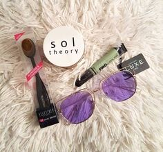 Don't know which subscription service to sign up with ? Sign up with SolTheory.com ! It's for men and women ! You can do sunglasses , makeup or jewelry ! Use my discount code : AMBERLYNN098 for 20% off your first box !! ❤️