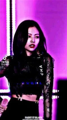 Black Pink Songs, Black Pink Kpop, Kim Jennie, Kpop Girl Groups, Kpop Girls, Youtube Blackpink, Jen Videos, Blackpink Debut, Kpop Girl Bands