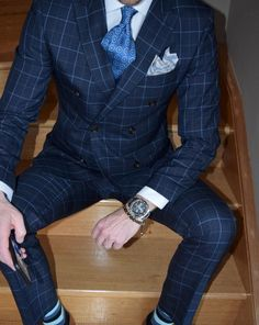 Handsome pattern play in blues.