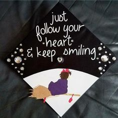 Studio Ghibli Kiki's Delivery Cap Decoration! I made it out of cardboard, pasted on jewels, stuck on letters and tears - Decoration For Home Graduation Cap Designs, Graduation Cap Decoration, Graduation Diy, Graduation Pictures, Grad Pics, Kiki Delivery, Kiki's Delivery Service, Studio Ghibli, Mononoke
