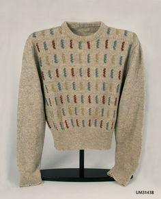 """Ur tidningen """"Marks"""" nr 8 från Mönsterstickad i färg Knitting Yarn, Hand Knitting, Knitting Sweaters, 1940s Fashion, Vintage Fashion, Men Fashion, Elsa Schiaparelli, Vintage Embroidery, Vintage Knitting"""