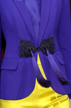 Giorgio Armani Prive rock the tassel Armani Prive, Couture Details, Fashion Details, Fashion Trends, Giorgio Armani, Geisha, Tiffany Blue Cupcakes, Malva, High Fashion