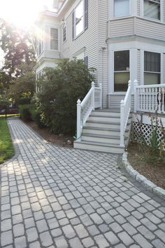 Enhance Your Home S Curb Eal With Villagio Pavers By Techo Bloc Modern Landscaping