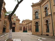 antiguo matadero en sevilla | ... característicos de la ciudad es el Antiguo Matadero, creado en 1916
