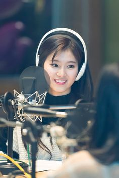 #TWICE #SANA #WhatisLove @MBC FM4U Date of two o'clock [Hook]