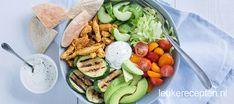 Kip shoarma bowl - Leuke recepten Food Bowl, A Food, Good Food, Food And Drink, Vegan Bowl Recipes, Healthy Recipes, Healthy Diners, Lucky Food, Healthy Food Delivery