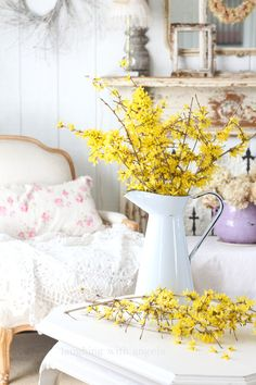 Spring is here and the forsythia and daffodils are blooming, bringing their cheery yellows to the garden. Shabby Chic Cottage, Cozy Cottage, Cottage Style, Spring Images, Spring Blooms, Easter Flowers, Indoor Flowers, Romantic Homes, Spring Is Here