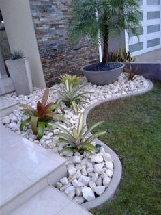 Small Front Yard Landscaping, Landscaping With Rocks, Outdoor Landscaping, Outdoor Gardens, Small Patio, Front Yard Ideas, Diy Landscaping Ideas, Corner Landscaping, River Rock Landscaping