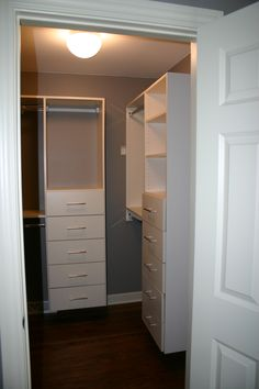 Charmant Crooked Oak Provides Custom Closets, Closet Design, Cabinets And Other  Storage Solutions To Chicago And The Surrounding Area.