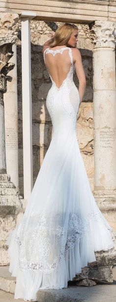 17 Sexy Wedding Dresses with the Hottest Details