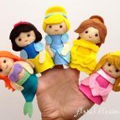 Disney+Princess+Felt+Finger+Puppets+-+via+@Craftsy