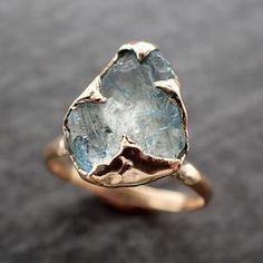 Diamond Wedding Rings, Gold Wedding, Diamond Rings, Minerals And Gemstones, Crystals Minerals, Raw Gemstone Ring, Druzy Ring, Aquamarine Stone, Yellow Gold Rings