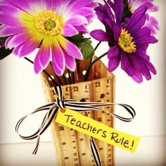 Awesome Upcycled & DIY Teacher Gifts - Giddy Upcycled - Awesome Upcycled & DIY Teacher Gifts – Giddy Upcycled You are in the right place about DIY dec - Teacher Appreciation Gifts, Teacher Gifts, Teacher Party, Teacher Tote, Math Teacher, School Teacher, Craft Gifts, Diy Gifts, Cheer Gifts