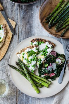 The Bojon Gourmet: Grilled Gluten-Free Pizza with Peas, Lemon + Mint {a collaboration}