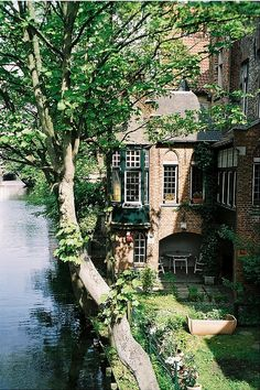 living by a quiet river...in a classic brick heap...wonderful!