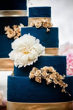 White Wedding Cakes, Elegant Wedding Cakes, Wedding Cake Designs, Wedding Desserts, Oriental Wedding, Wedding Cake Cookies, Rose Gold Decor, Star Wedding, Gold Wedding