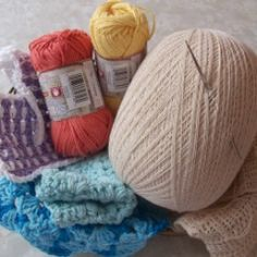 I am pinning now and reading later--more pinning to do! How to Start an Online Crochet Business
