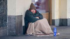 """""""Accogliete in casa i senzatetto"""", ma nessuno si fa avanti. Con i profughi l'esperimento aveva funzionato - http://www.sostenitori.info/accogliete-casa-senzatetto-nessuno-si-avanti-profughi-lesperimento-funzionato/275611"""