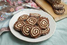 Egy finom Egyszerű keksztekercs ebédre vagy vacsorára? Egyszerű keksztekercs Receptek a Mindmegette.hu Recept gyűjteményében! Waffle Cake, Cake Cookies, Feel Good, Waffles, Bacon, Sweets, Make It Yourself, How To Make, Food