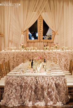 elegant white and gold wedding reception tablescapes archives weddings romantique Chic Wedding, Luxury Wedding, Wedding Styles, Wedding Ideas, Gold Wedding, Wedding Inspiration, Dream Wedding, Glamorous Wedding, Wedding Rustic