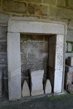 Porta dunha habitación galaica do castro de Ancora (Museo Martins Sarmento - Guimarães).