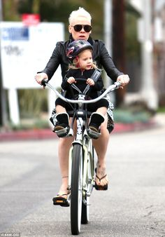 Biking around: The star took her daughter on a bike ride to a near-by juice bar #eSpokes #bikes #electricbikes