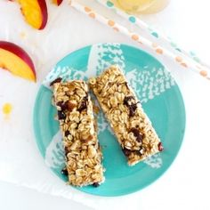 A chewy no-bake granola bar with the sweet taste of honey, toasted oats and nuts and little bites of sweet, plump raisins.