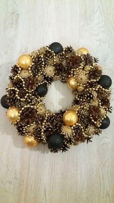 Christmas Wreaths, Halloween, Holiday Decor, Home Decor, Decoration Home, Room Decor, Home Interior Design, Home Decoration, Spooky Halloween
