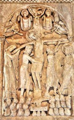 Claustro bajo de Santo Domingo de Silos - Relieve Románico que ilustra el Descendimiento de la Cruz
