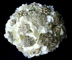 The broch bouquet I want!!